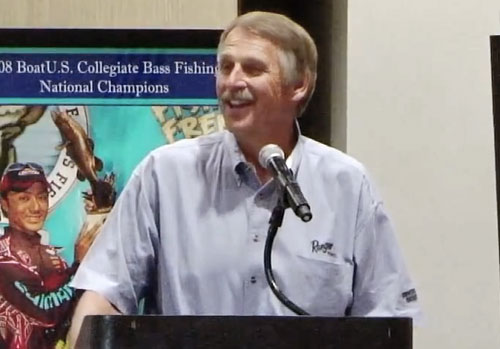 hank-parker-speaking-to-college-anglers-2011