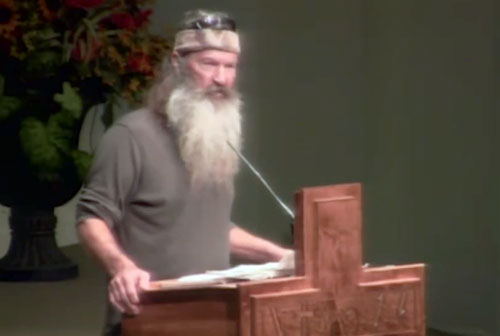 phil-robertson-speaking-at-whites-ferry-road-church-sep-2014